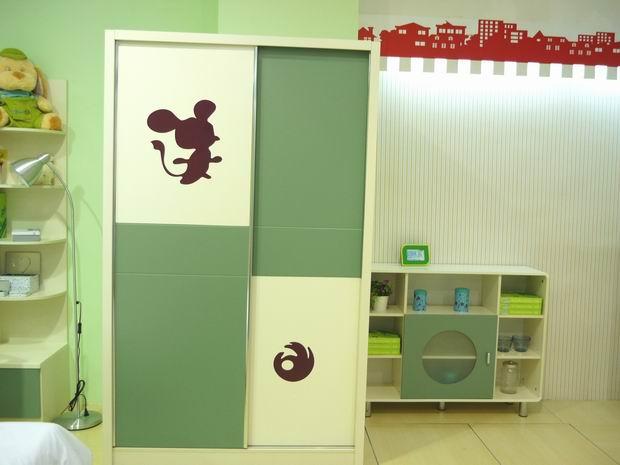 选购儿童衣柜时的几个注意事项